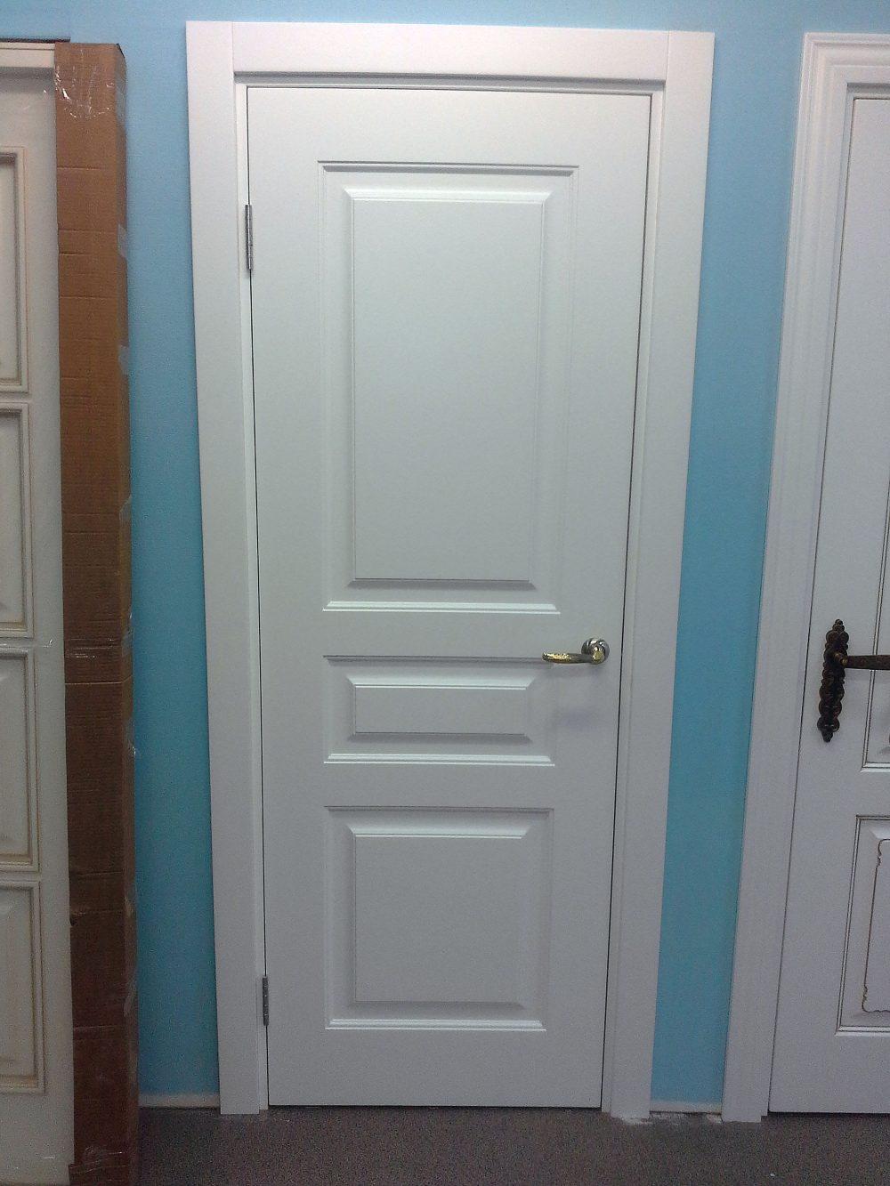 белые двери фото в магазине казань