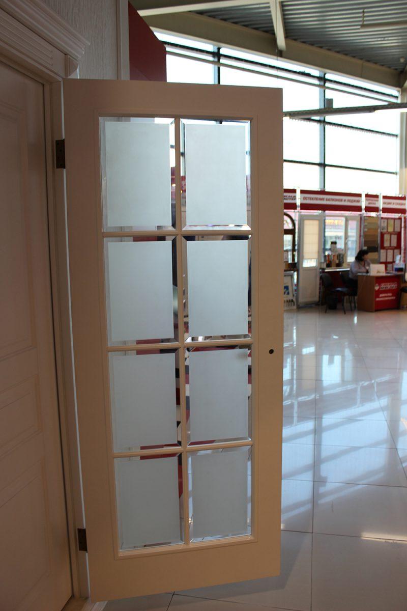фото двери с фацетом ДО 8