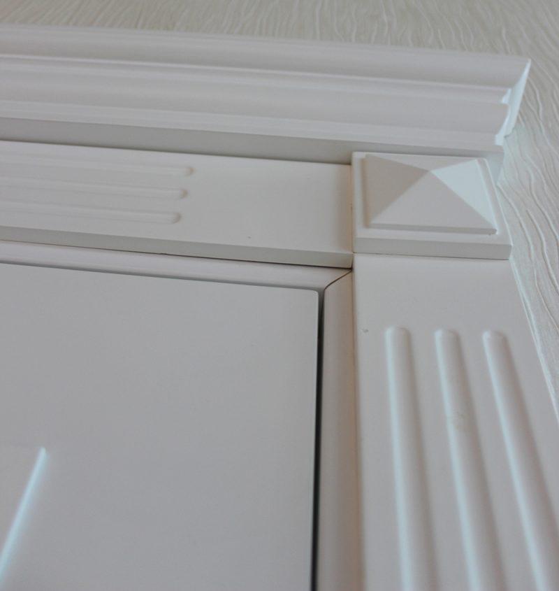 фрагмент двери карниз