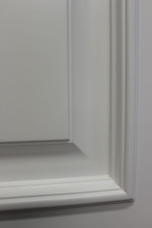 широкий багет фрагмент двери