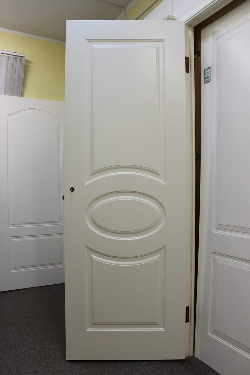 белые и кремовые двери фото