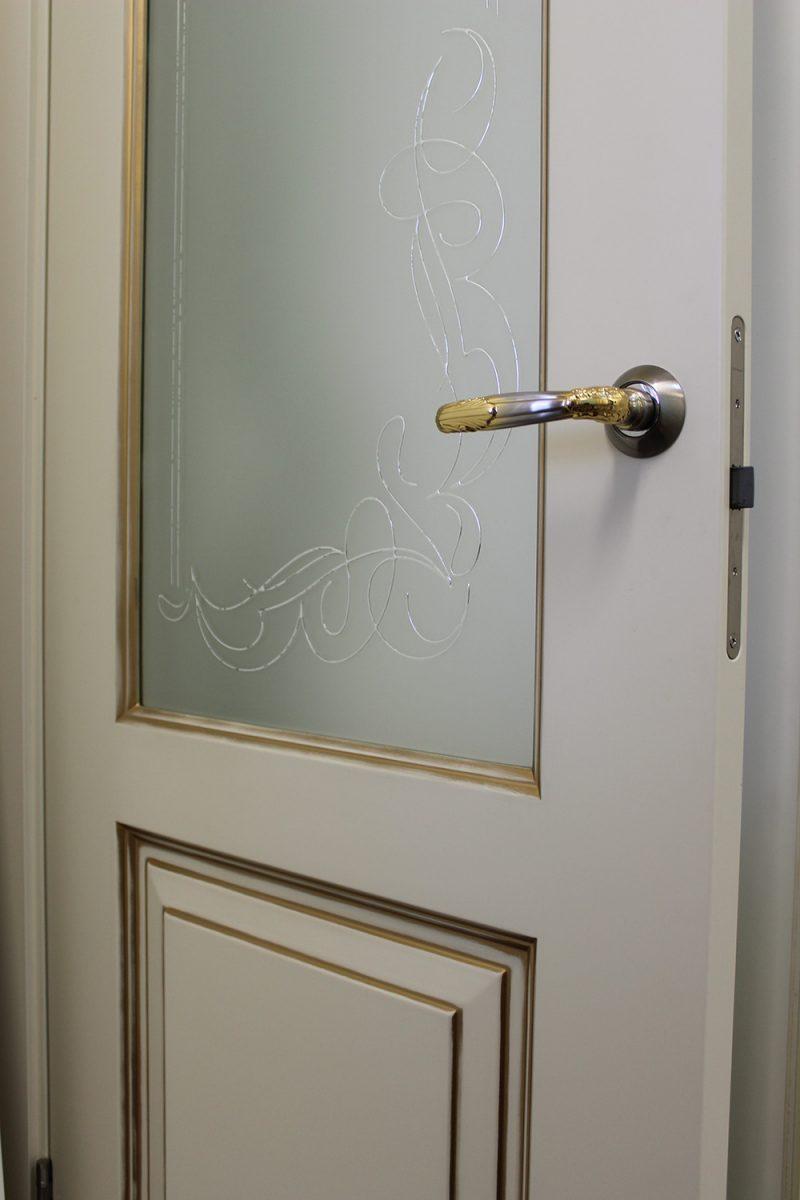 белые двери со стеклом ручка Арче