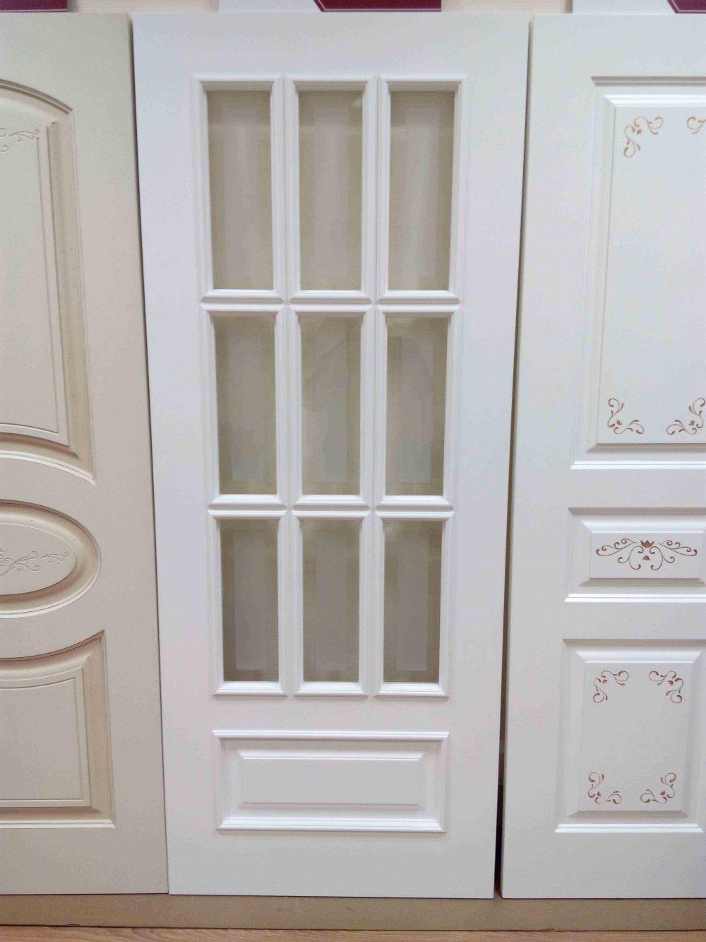белая межкомнатная дверь со стеклом фото казань