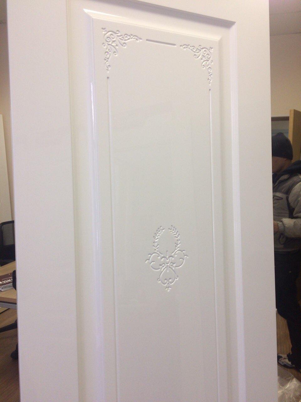 фрагмент двери с узором фото