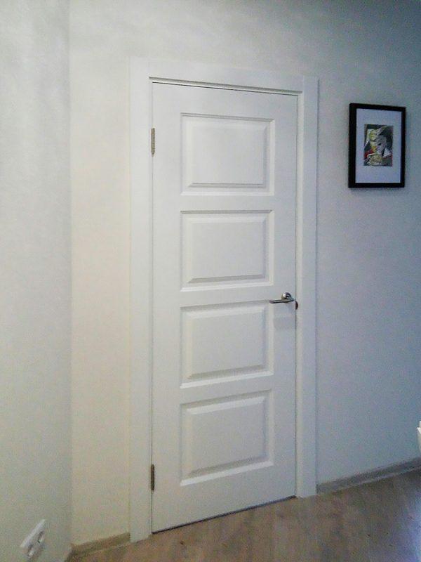 межкомнатная белая дверь сканди