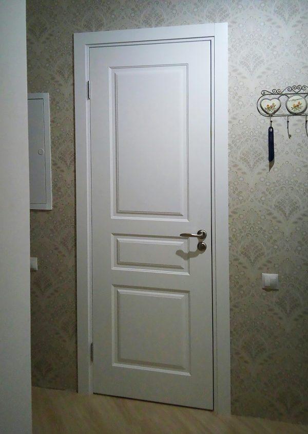 межкомнатная белая дверь в скандинавском стиле