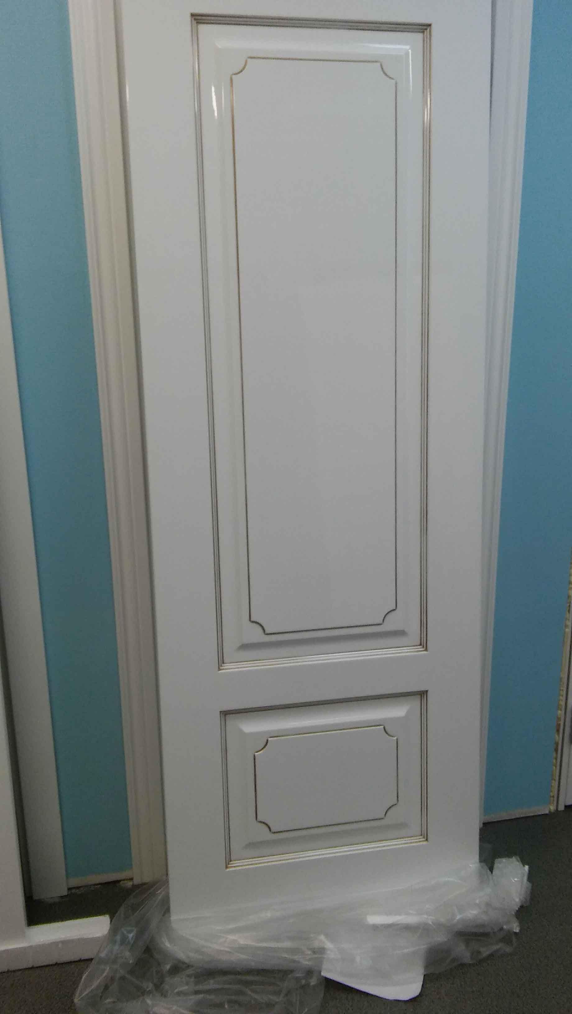фото глянцевой двери