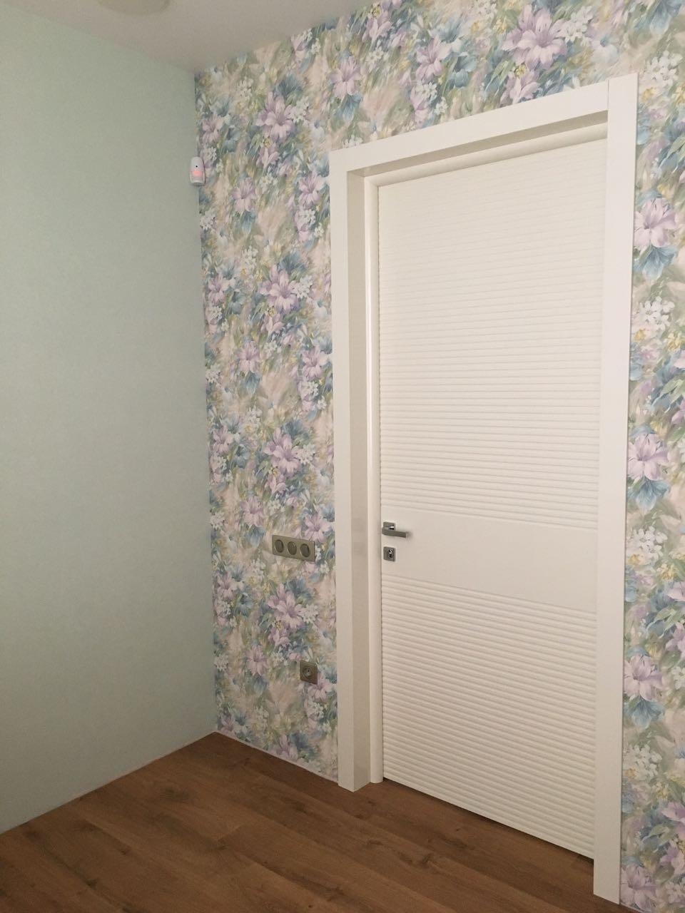 двери по индивидуальному эскизу фото в интерьере