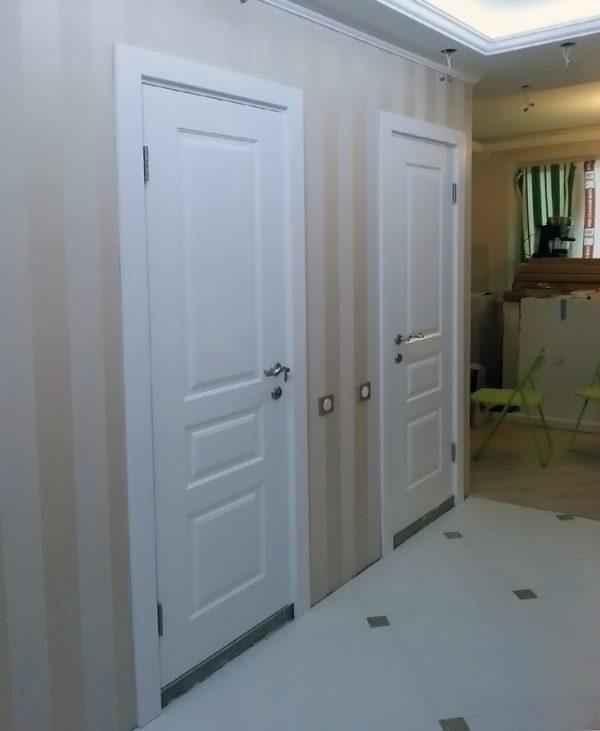 межкомнатные белые двери в интерьере фотография