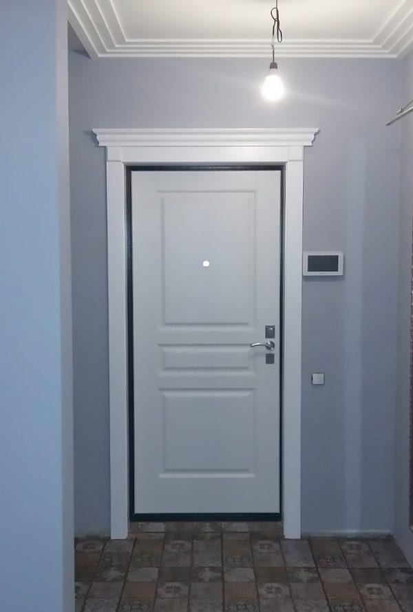 обрамление входной двери