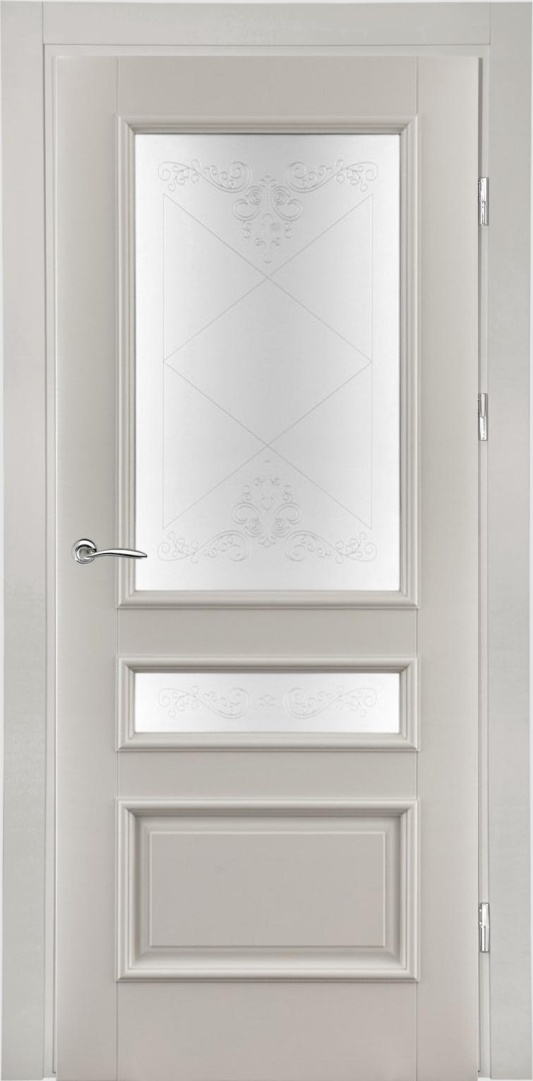 классическая белая дверь из массива со стеклом