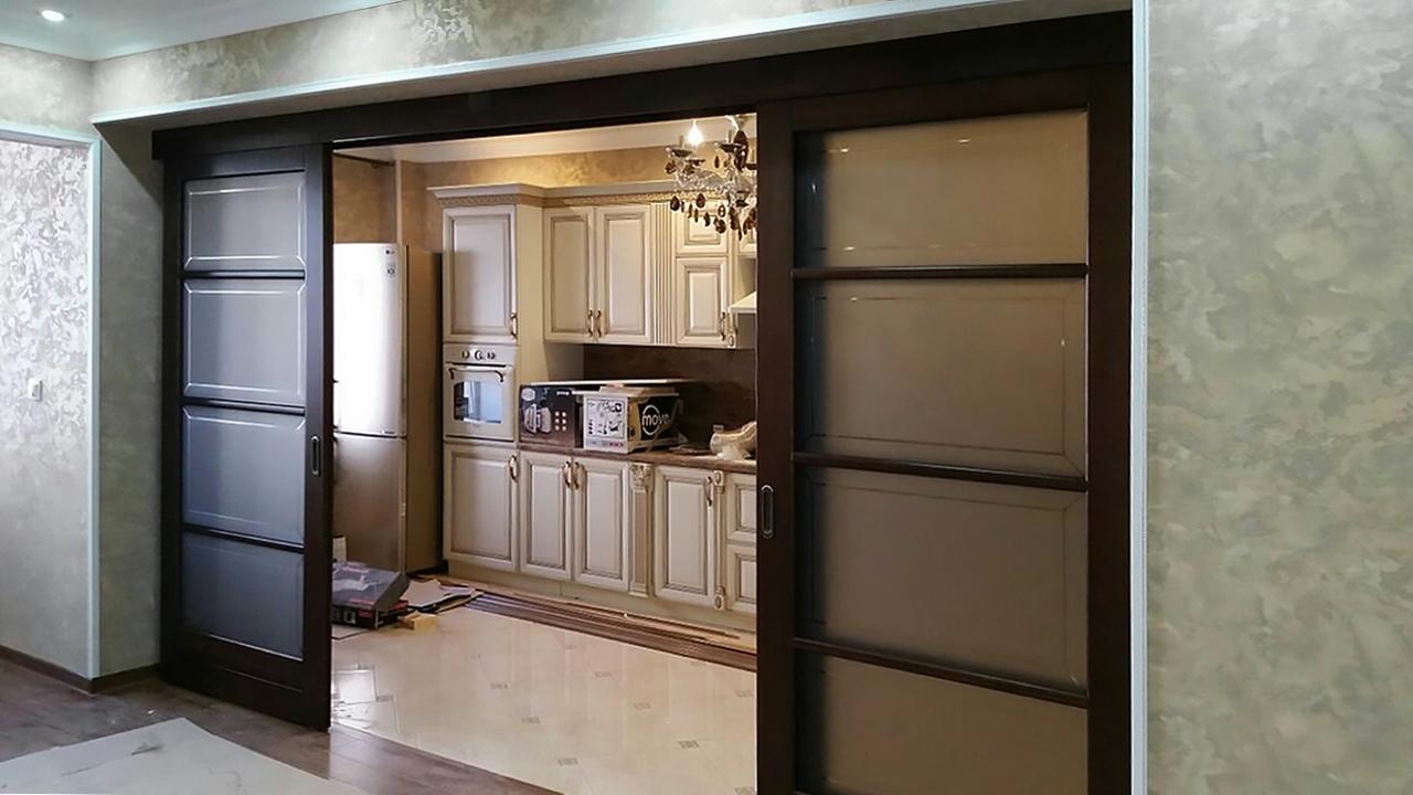 двойные раздвижные двери венге в зал