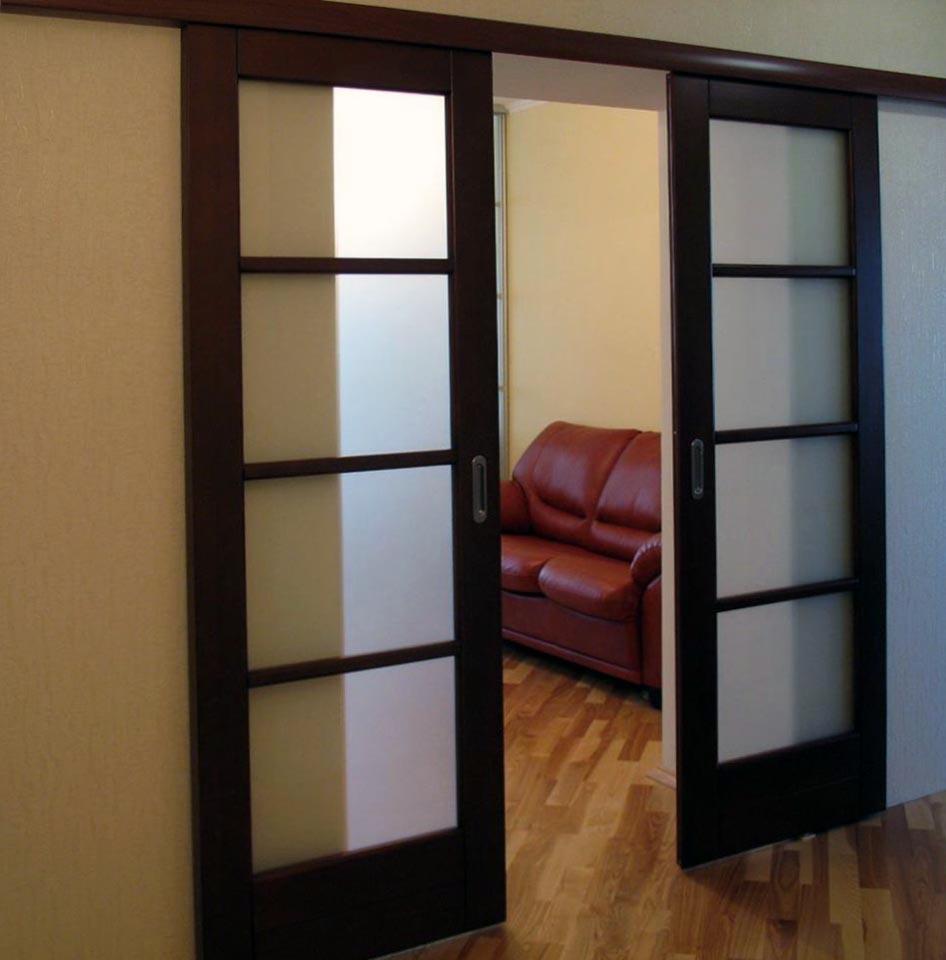 двойная раздвижная дверь в зал фото